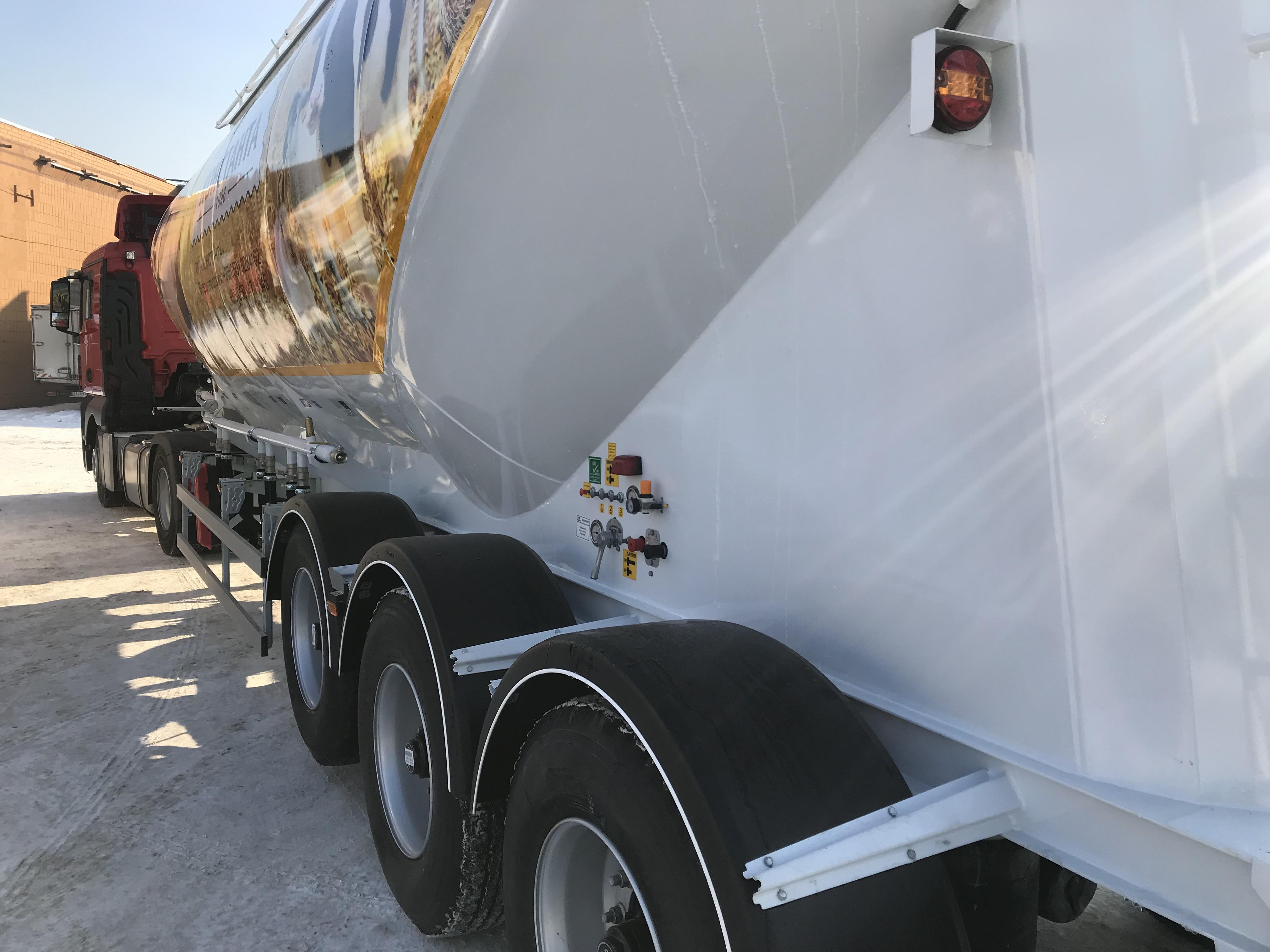 3- х осный полуприцеп для перевозки сыпучих грузов — Комбикормовоз (Муковоз)