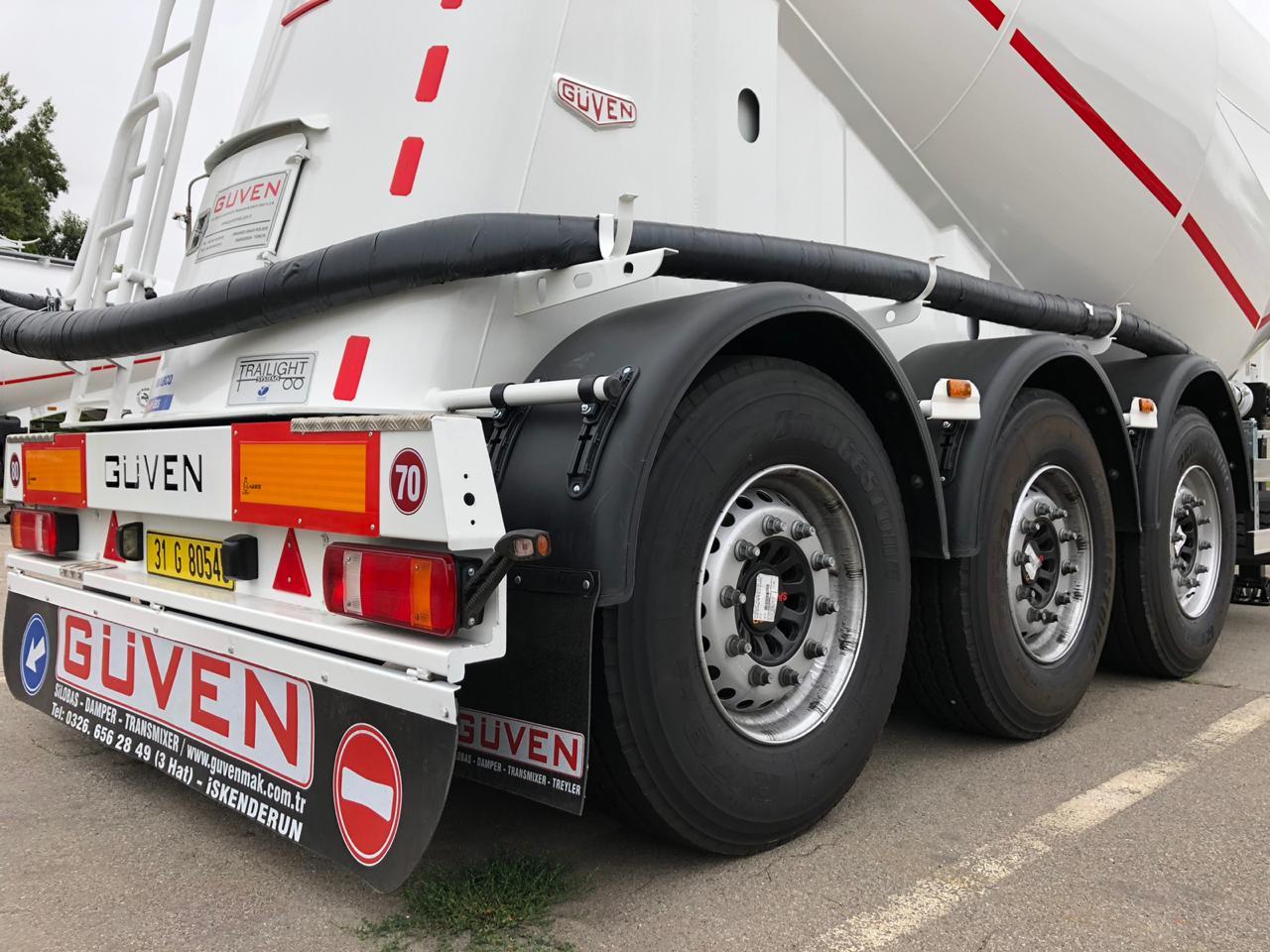 3- х осный полуприцеп для перевозки сыпучих грузов — Цементовоз